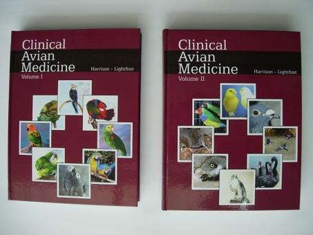 "Buch ""Clinical Avian Medicine"" Teil I und II"